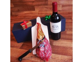 Blue S . Kýta s Bordeaux a pralinkami