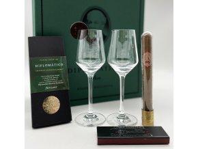 Alkohol ne, raději knihu . Diplomático Reserva s vlastní etiketou