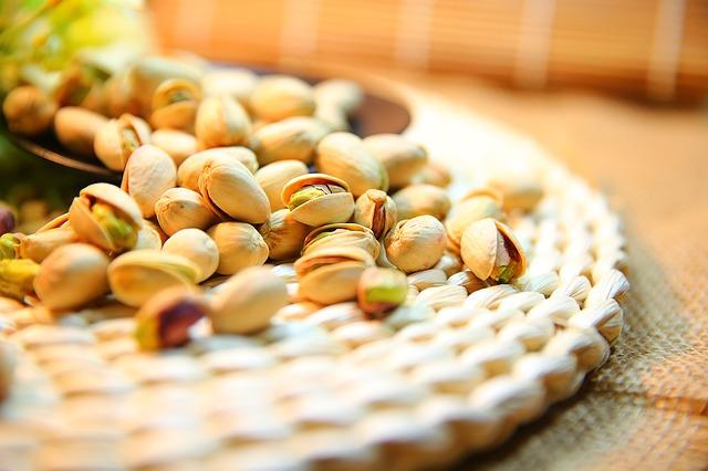 pistachio-1098173_640