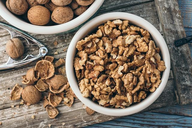 walnut-4186311_640