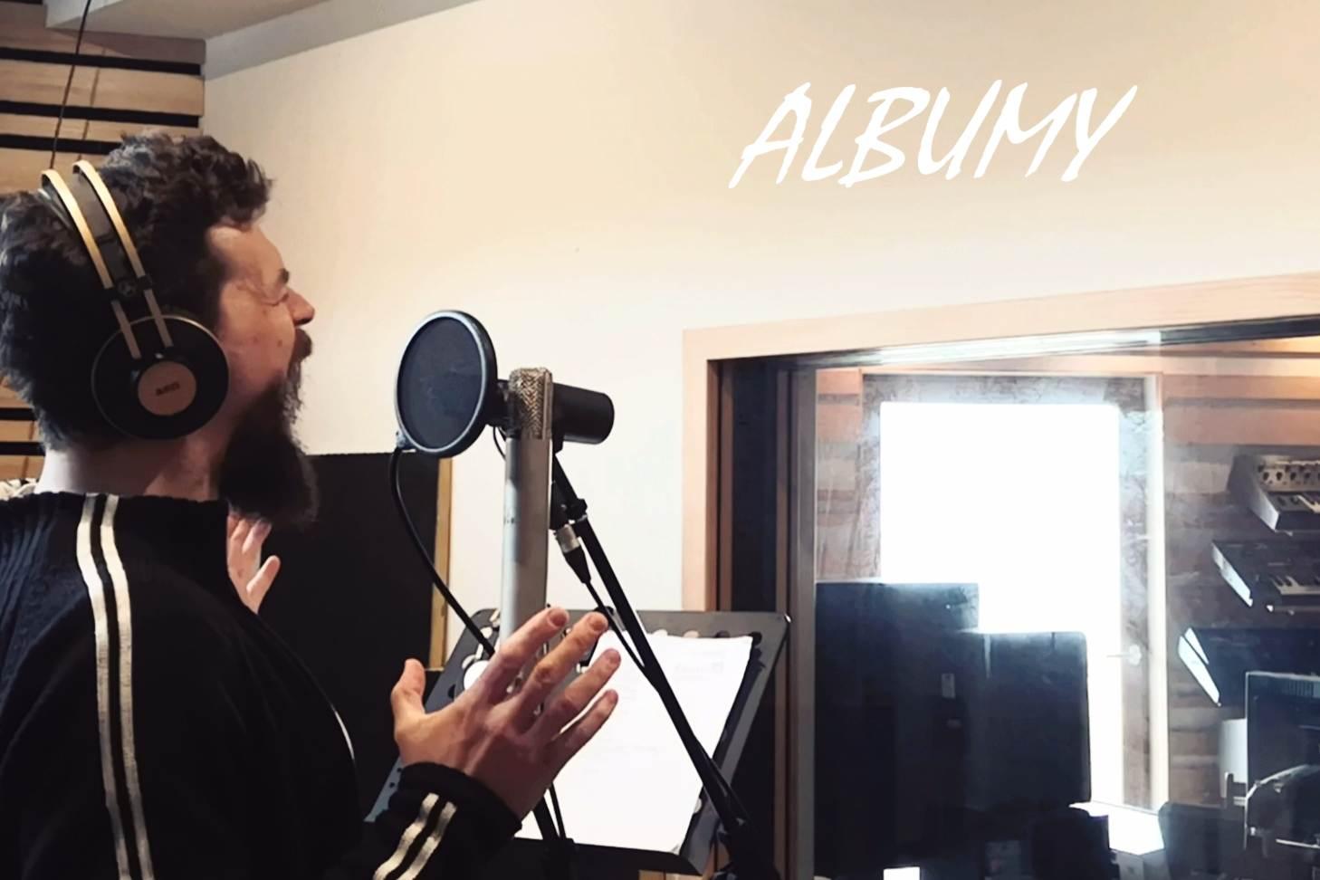 ALBUMY
