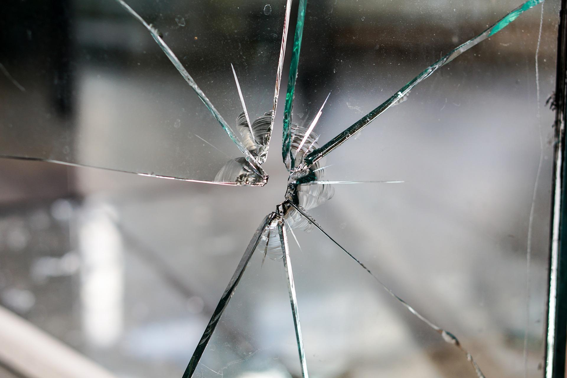 glass-1497232_1920
