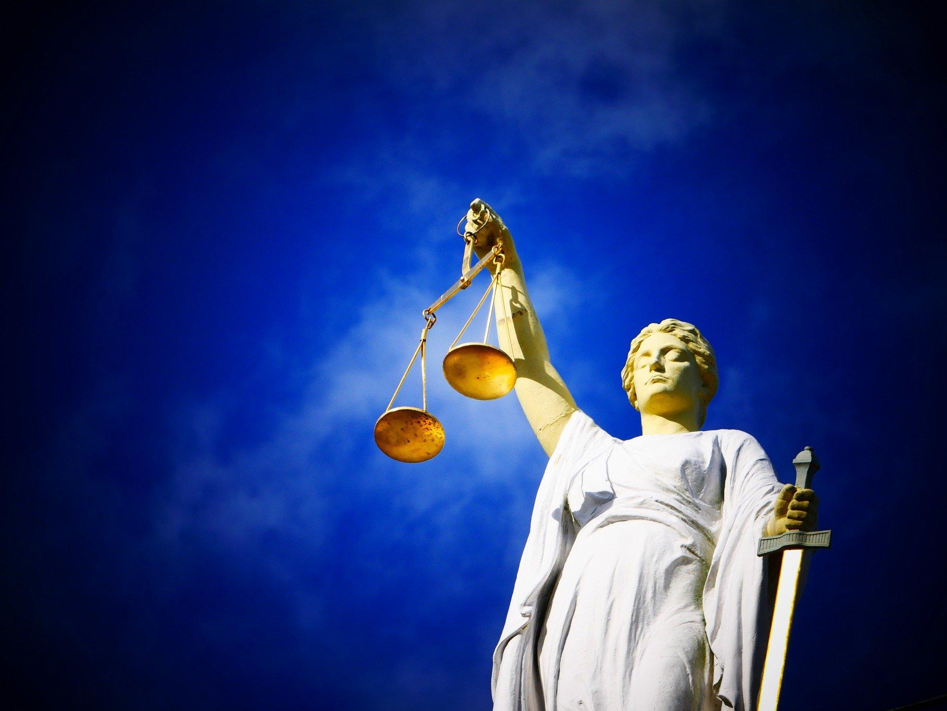 justice-2071539_1920
