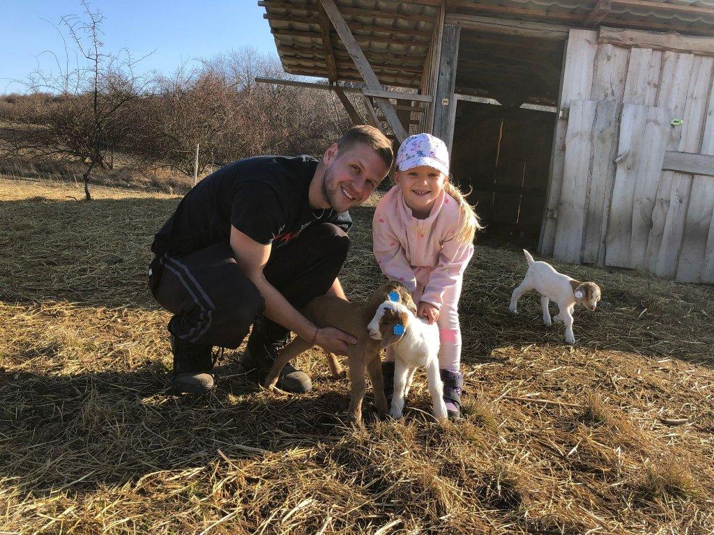 Návštěva pastviny s krmrním zvířat