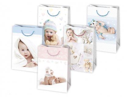 Darčeková taška k narodeniu dieťaťa. Ružová farba, modrá farba, biela farba. Detský motív, fotografie bábätká, fotografie detí. Určené na rýchle balenie darčekov pre bábätko, k narodeniu dievčatka, k narodeniu chlapčeka, k narodeniu detí, k narodeniu dvojičiek.