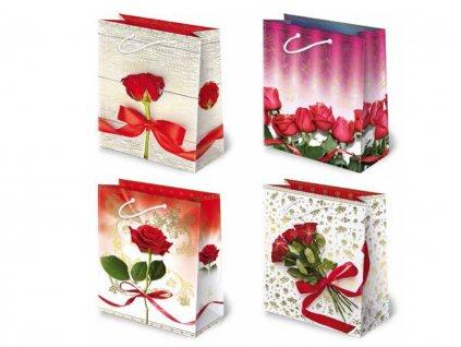 Darčekové tašky ruže červené, kytica červených ruží.