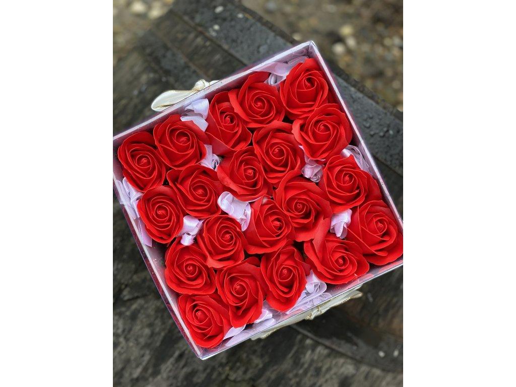 Box z mydlových ruží