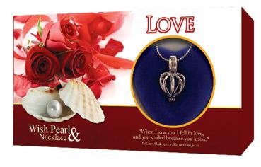 Perla přání - Láska, motiv Love, perla s řetízkem a přívěskem GLOBAL JOURNEY