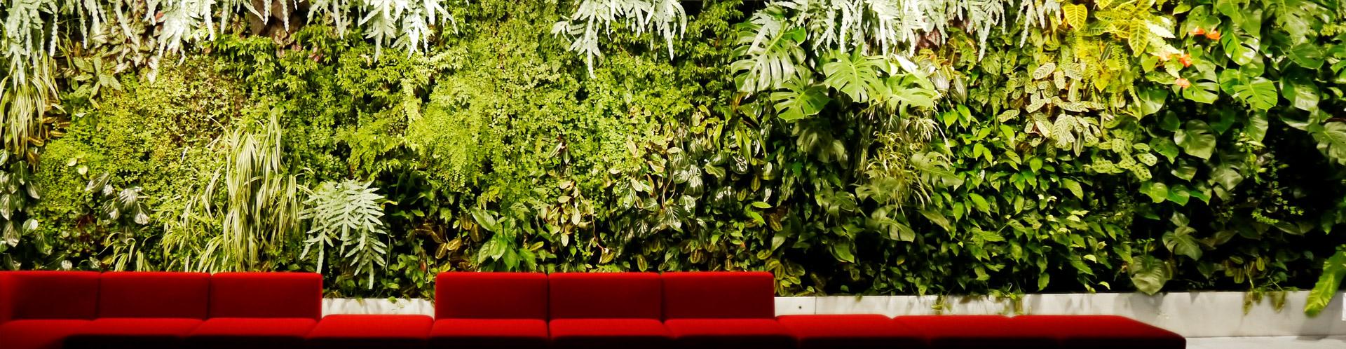 zahradni_osvetleni_zivich_sten_vertikalnich_zahrad