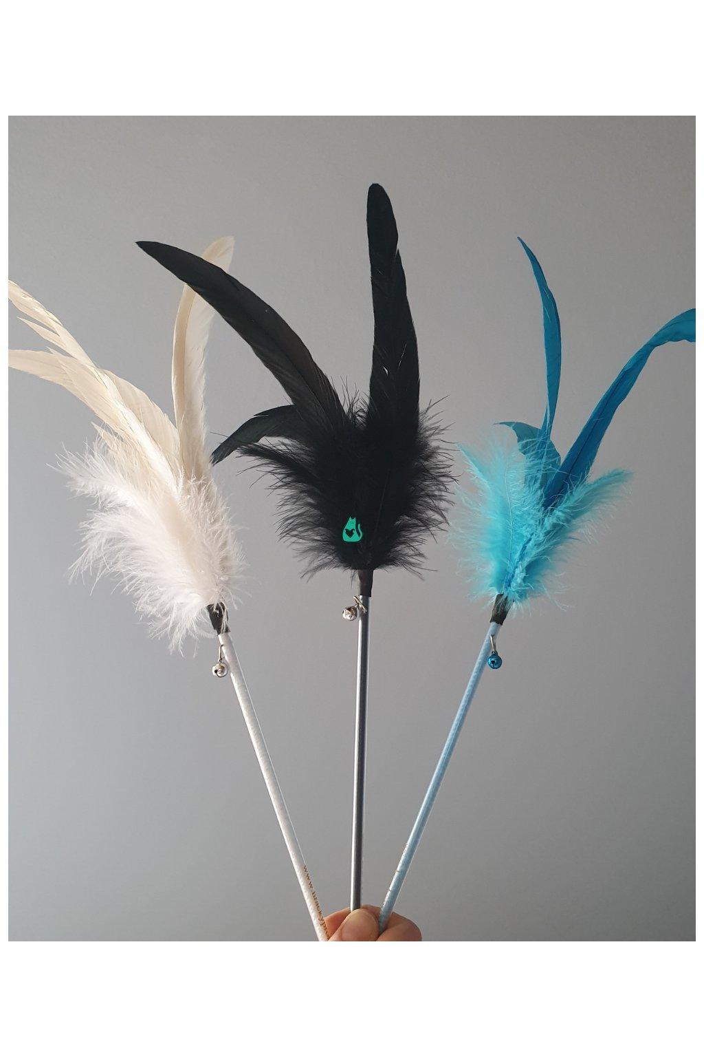 Barevný dlouhý kohoutek, tyč 20 cm + 30cm peří, Hračka pro kočky
