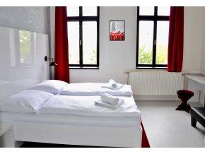 Jižní Morava se vstupem do privátních hotelových lázní  a polopenzí