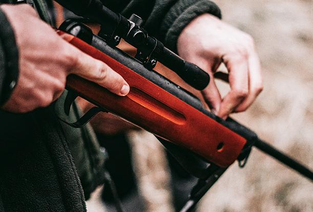 [NÁVOD] Čištění zbraní: jak pistoli po střelbě správně zbavit nečistot a promazat?