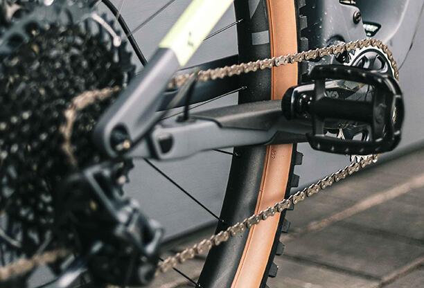 Jak správně mazat řetěz u kola