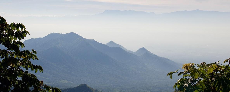 Vrcholky hor Sierra Nevada