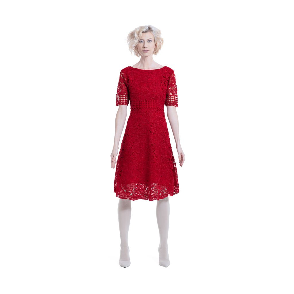 Knee length lace dress with short sleeves