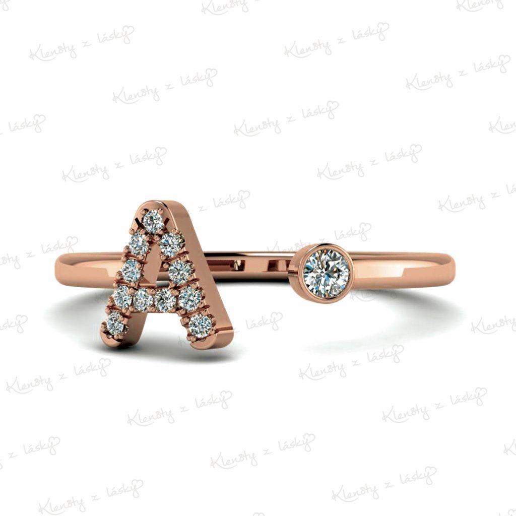 prsten s písmenem žlutý