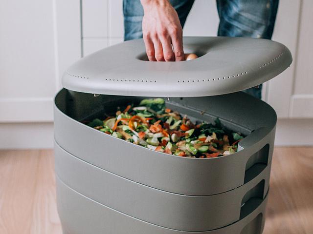 Domáce kompostéry