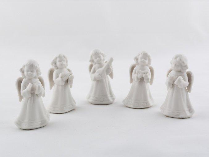 Set porcelánoví andělíčci s hudebním nástrojem