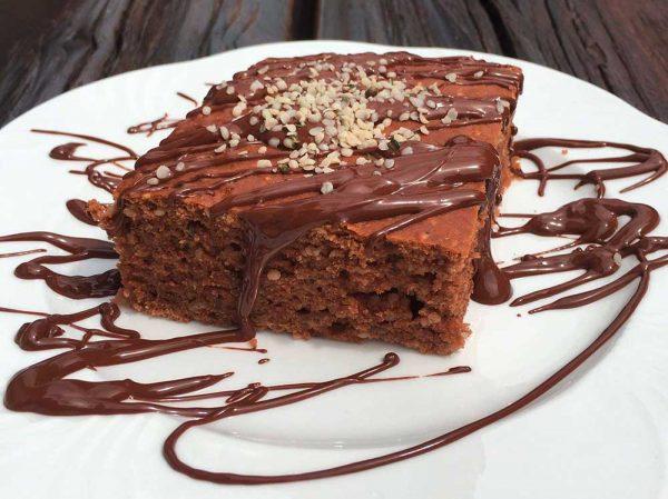Čokoládovo-konopný koláč