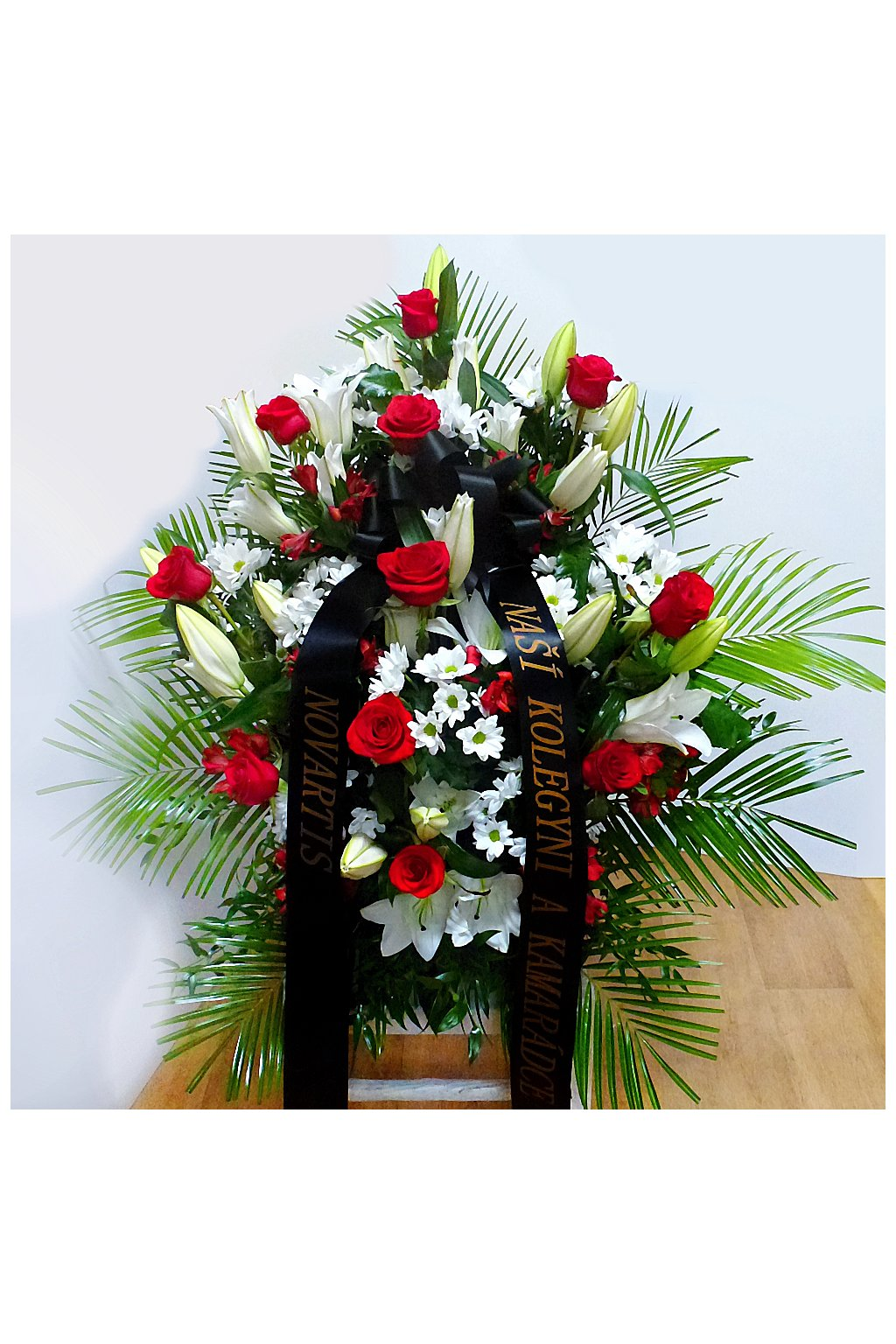 smutecni kytice vypichovana do drzaku kvetinarstvi arnapi