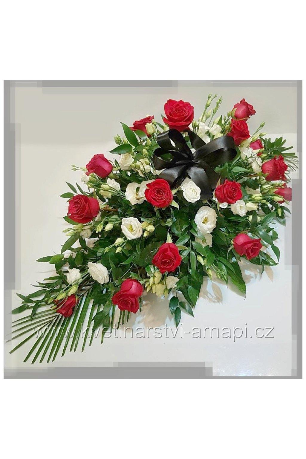smutecni kytice vypichovana z eustomy ruzi kvetinarstvi arnapi rozvoz