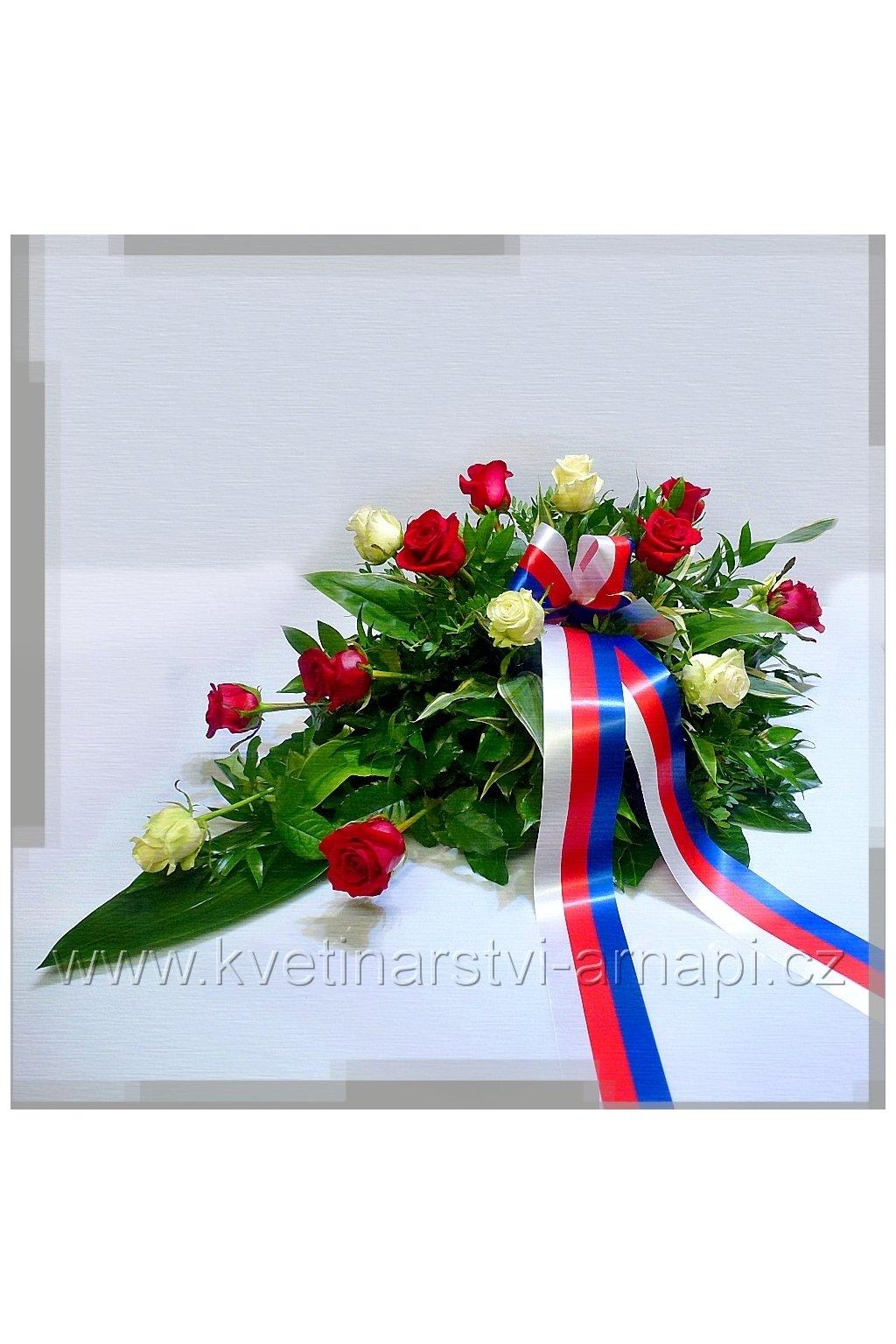 smutecni kytice vypichovana ruze kvetinarstvi arnapi rozvoz