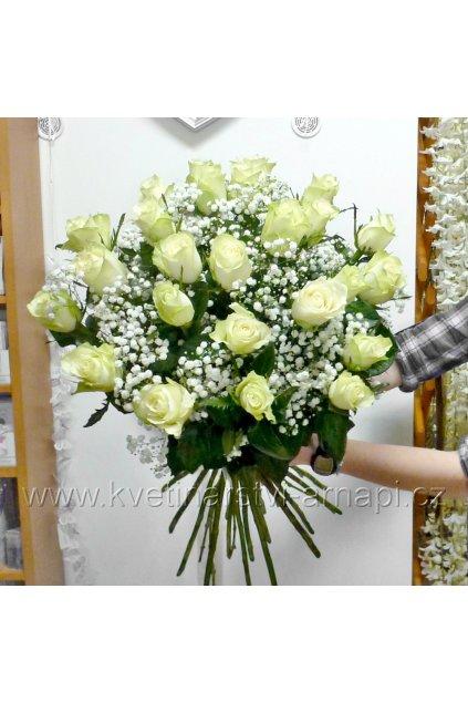 kytice ruzi bilych kvetinarstvi arnapi