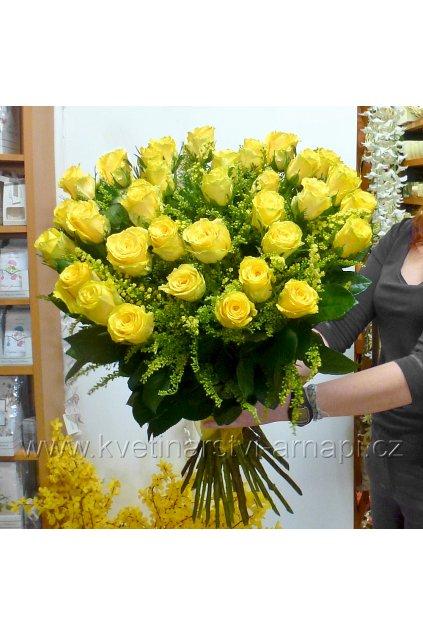 kytice ruzi zlutych kvetinarstvi arnapi