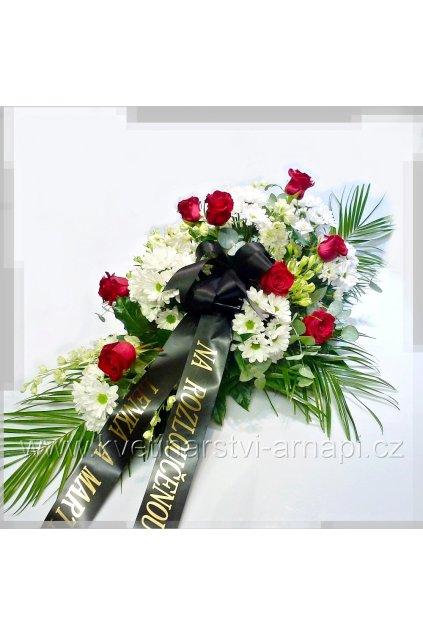 smutecni kytice vypichovana z cervenych ruzi kvetinarstvi arnapi rozvoz