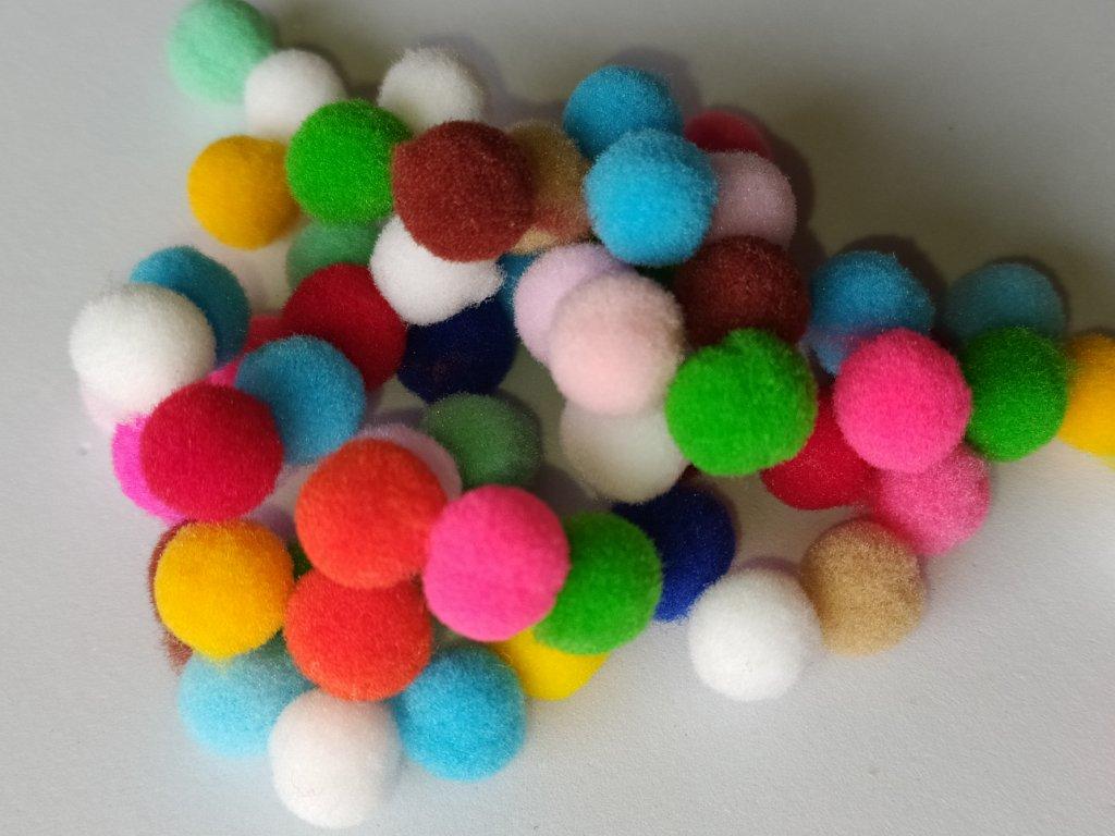Kuličky plyšové mix barev 10 mm