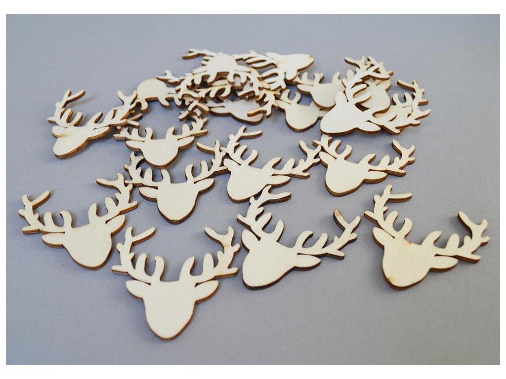 Dřevěné jelení hlavy