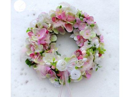 Jarní rozkvetlý věnec - růžový