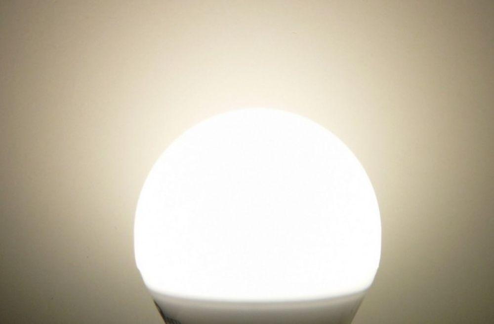 T-LED LED žárovka 6W E27 Barva světla: Denní bílá