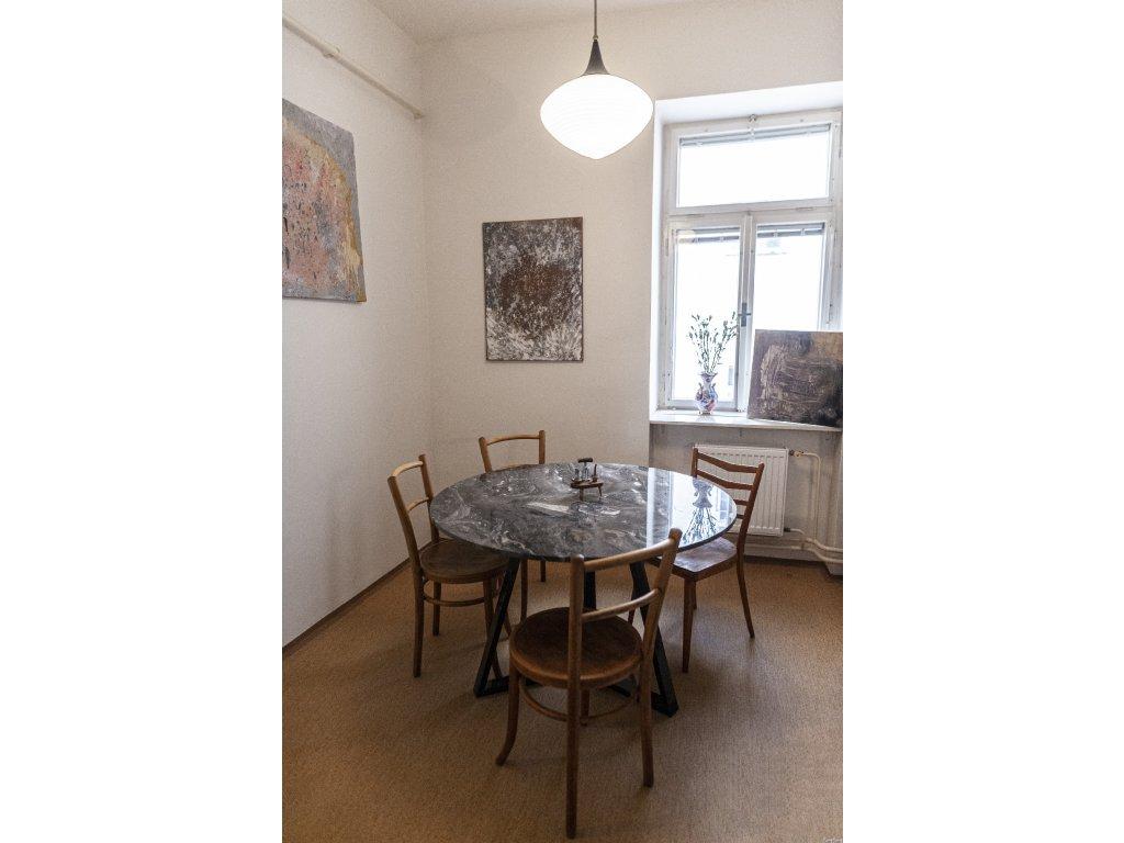 3ks dřevěné židle výška 86cm, hloubka 42cm, šířka 41cm, cena 8200Kč za kus