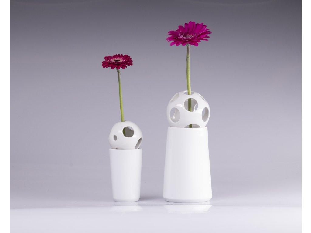 váza, váza na květiny, designová váza, bílá váza, dekorativní váza, vázy dekorace, moderní váza, porcelánová váza, bandaska, doplňky do interiéru, dekorace do bytu, bytové doplňky, designové doplňky, bytové doplňky eshop, moderní doplňky do bytu, luxusní bytové doplňky, dekorace do obýváku, český porcelán, porcelán, luckavo, Lucie Tomis, dárek, svatební dar