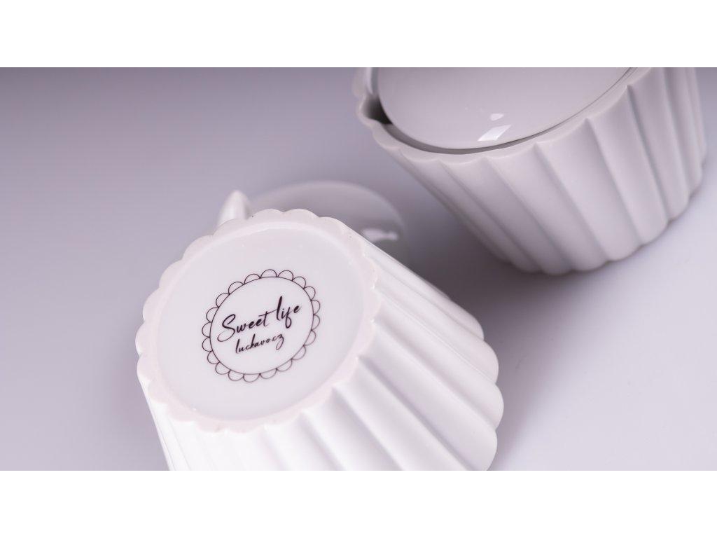 dóza na cukr, cukřenka, cupcake, sweetlife, dóza, porcelánová dóza,doplňky do interiéru, dekorace do bytu, bytové doplňky, designové doplňky, bytové doplňky eshop, moderní doplňky do bytu, luxusní bytové doplňky, dekorace do obýváku, český porcelán, porcelán, luckavo, Lucie Tomis