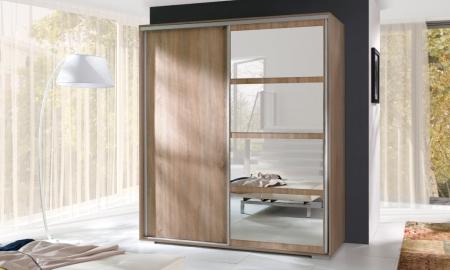 Velké šatní skříně s posuvnými dveřmi
