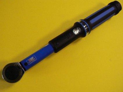 momentovy-klic-se-stupnici-ks-tools-516.1442