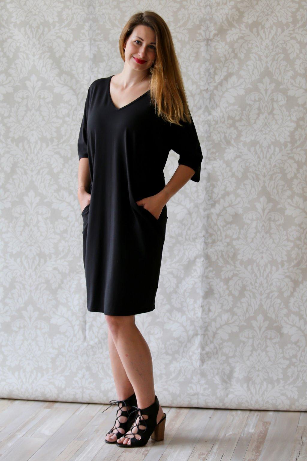 Véčkové elegantní šaty Juno / Černá