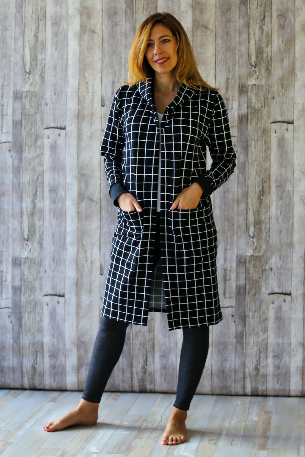Kabát s kapucou Amfitríta / Černobílá kostka