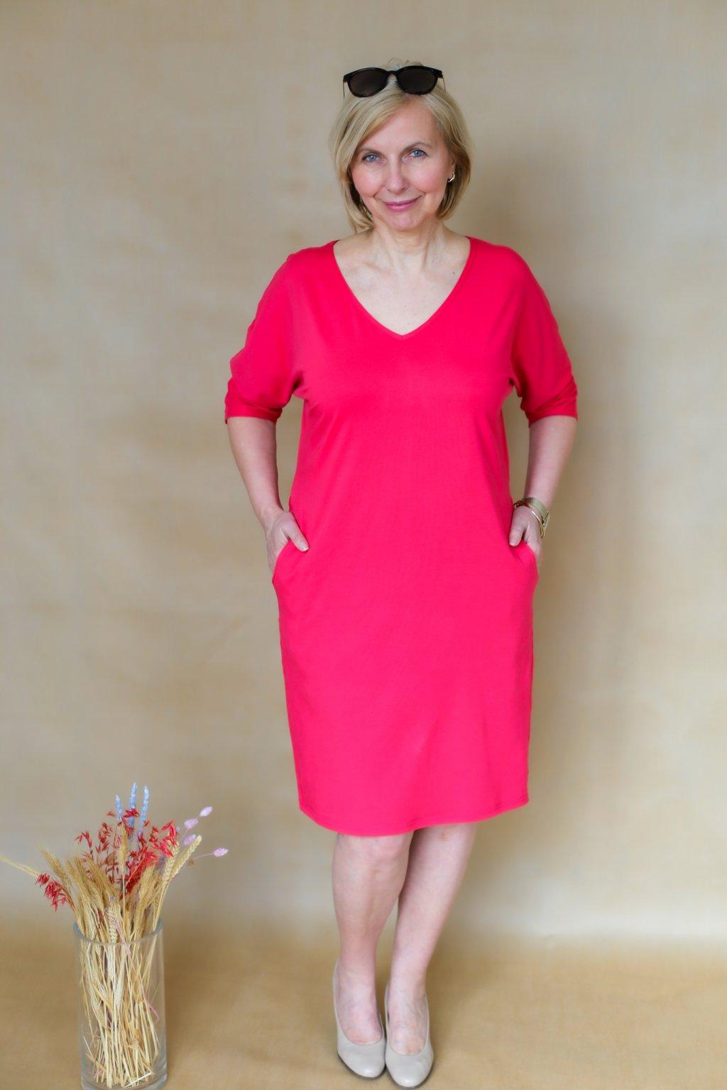 Véčkové elegantní šaty Juno / Malinová