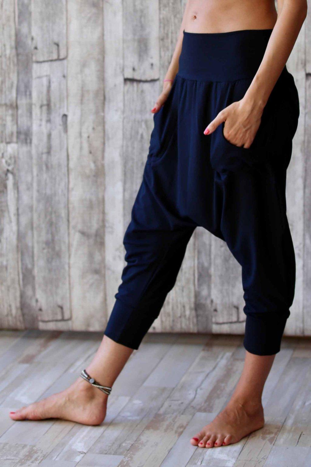 Kalhoty s nižším sedem Anáhitá