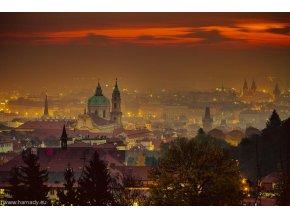 Fotografie Když se Praha obleče do červené od Jana Hamaďáka - KAPA deska