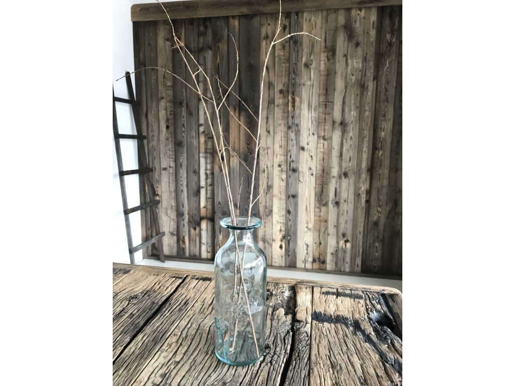 Designová váza z recyklovaného skla s květinovým dekorem