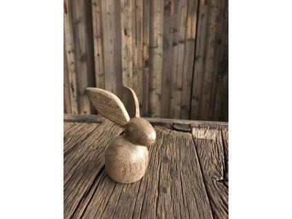 Dřevěný zajíc z mangového dřeva (malý - 12 cm)