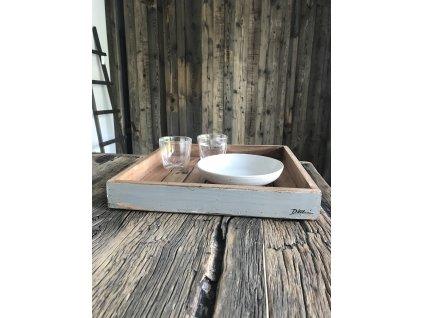 Designový velký 38x38x5 cm ručně vyráběný servírovací tácek z tvrdého dřeva