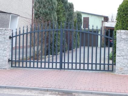 Křídlová brána - Radius standard, grafit (Rozměry (š x v) 300 x 155 cm)