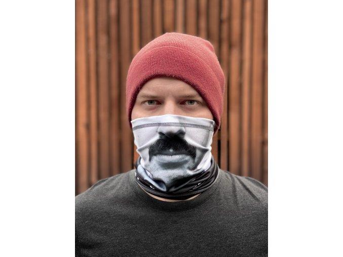 Multifunkční šátek Chytrý Horák z vás na ulici udělá nepřehlednutelného!