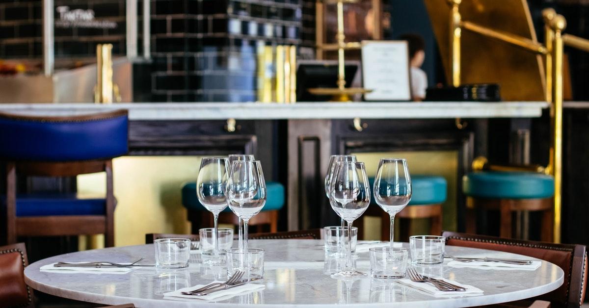 Proč byste měli ve své restauraci používat filtrovanou vodu.