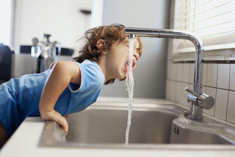 Jak kohoutková voda ovlivňuje naše zdraví a na co si dát pozor